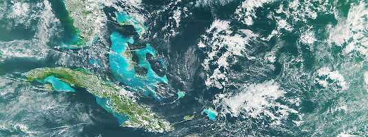 NPP / VIIRS image (resolution 400 m, 21.11.2011), Florida, Cuba and Bahamas, © 2011 NASA - The newest US' Earth-observing satellite NPP was launched on October 28, 2011, reached its final orbit at an altitude of 824 km and acquired its first image of eastern North America.
